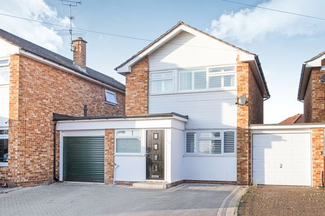 Thumbnail Link-detached house for sale in Sunrise Avenue, Broomfield, Chelmsford