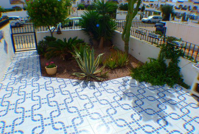 2 bed apartment for sale in Vista Bella Golf, Alicante, Spain