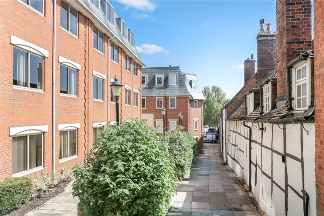 Thumbnail Flat for sale in Cardigan House, Ailesbury Court, High Street, Marlborough