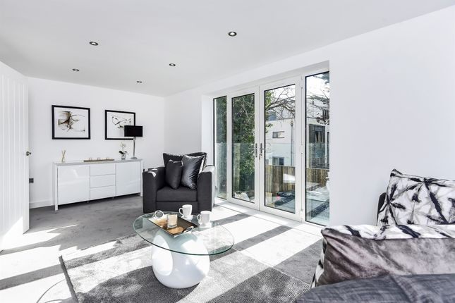 Thumbnail Terraced house for sale in Meopham Road, Mitcham