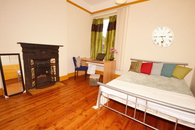 Thumbnail Semi-detached house to rent in Collegiate Crescent, Sheffield