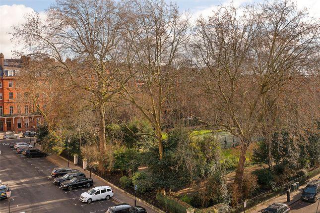 Picture No. 07 of Cadogan Square, Knightsbridge, London SW1X