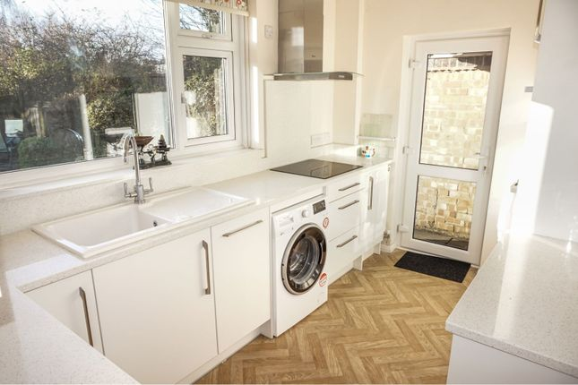 Kitchen of Glenfield Road, Western Park LE3
