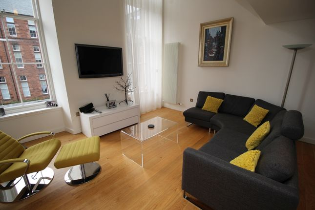 Thumbnail Flat to rent in Simpson Loan, Central, Edinburgh