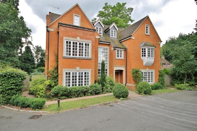 Thumbnail Property to rent in Wych Hill, Woking, Surrey