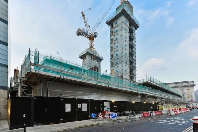 Thumbnail Flat for sale in Landmark Place, Tower Hill, London