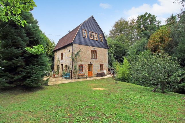 Thumbnail Detached house to rent in Slaugham Place, Slaugham