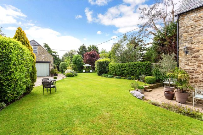 Picture No. 18 of Orchard Road, Buckland, Faringdon, Oxfordshire SN7