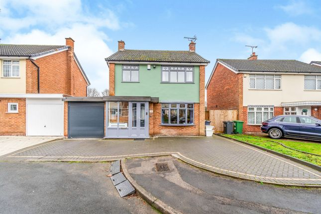 3 bed link-detached house for sale in Buchanan Close, Walsall WS4