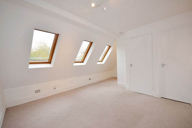 Thumbnail Duplex to rent in Palace Road, Crouch End, London