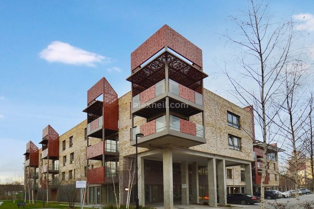 Thumbnail Flat for sale in Blondin Way Rotherhite, London