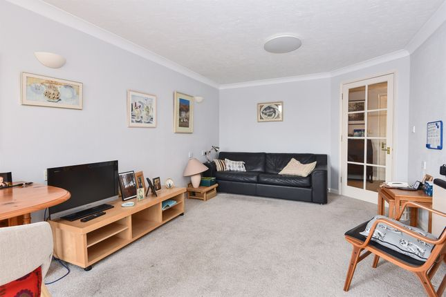 Thumbnail Flat for sale in Church Crescent, London