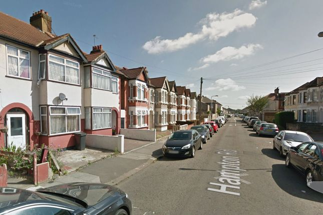 Thumbnail Terraced house to rent in Hampton Road, Ilford