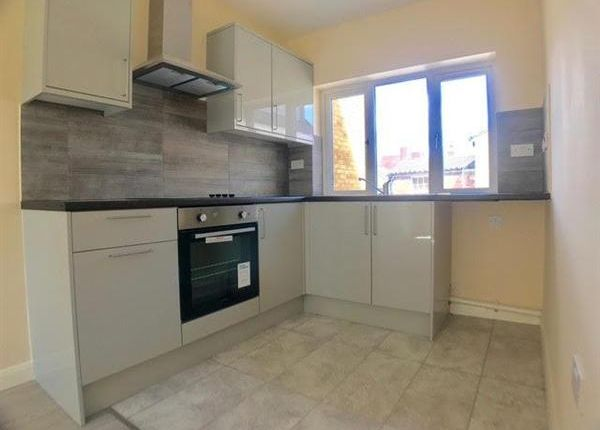 Thumbnail Flat to rent in Luton Town Centre, Luton, Bedfordshire