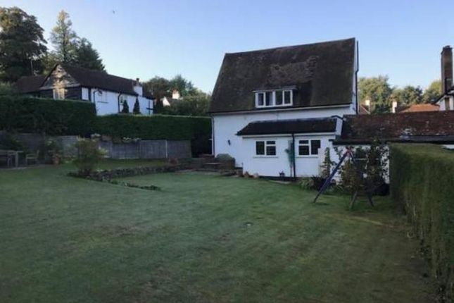 Thumbnail Detached house to rent in Stagbury Close, Coulsdon