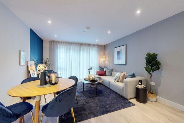 2 bedroom flat for sale in Godstone Road, Whyteleafe Surrey