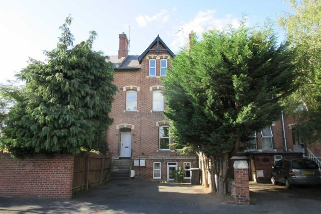 Thumbnail Flat to rent in Alexandra Road, Gloucester