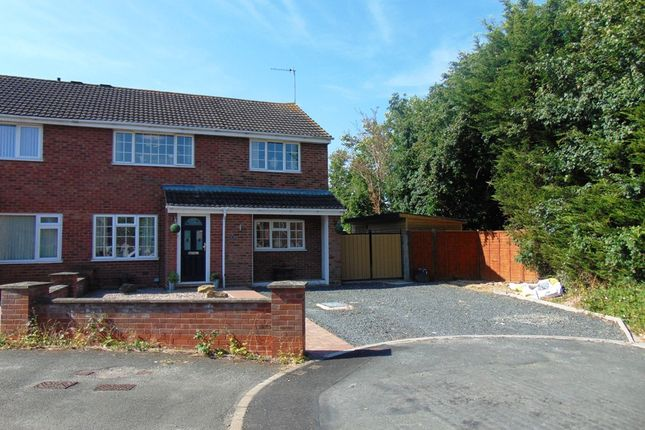 Thumbnail Semi-detached house for sale in Maple Close, Evesham