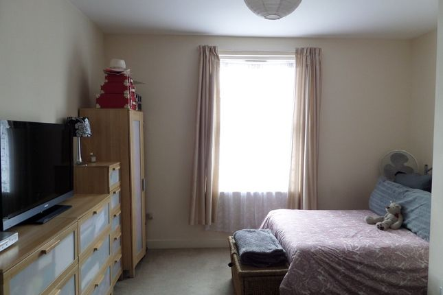 Room to rent in Grove Road, Hounslow