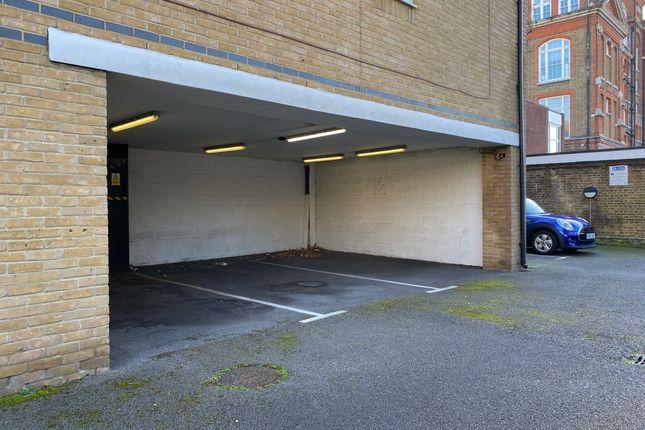 Parking/garage for sale in Queensbridge Road, Hackney, London