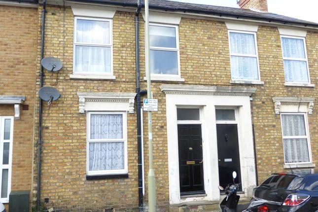 Thumbnail Maisonette to rent in Birchett Road, Aldershot