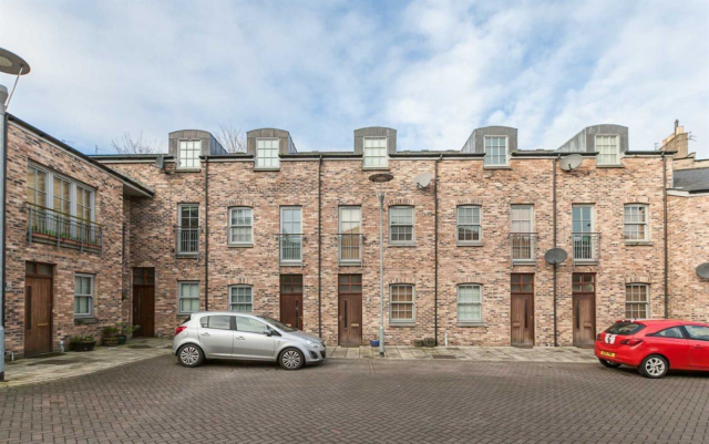 Thumbnail Terraced house to rent in Iona Street Lane, Leith, 8Sx