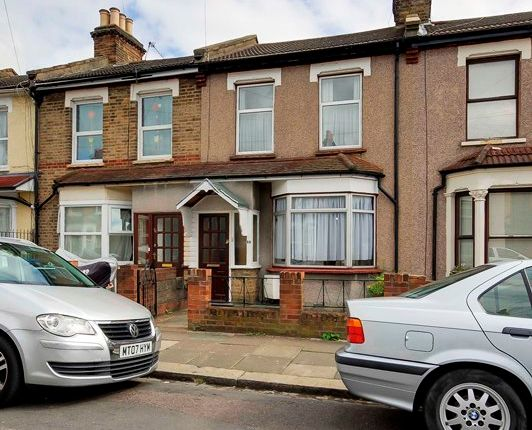 Thumbnail Terraced house for sale in Kings Road, Edmonton