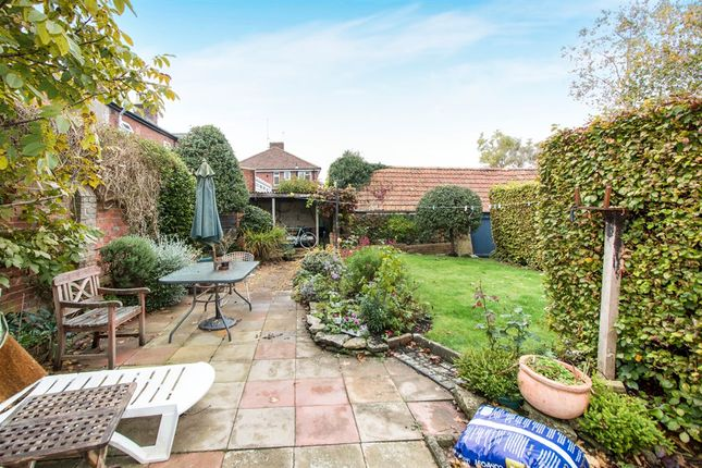 Thumbnail Detached house for sale in Salisbury Road, Blandford Forum