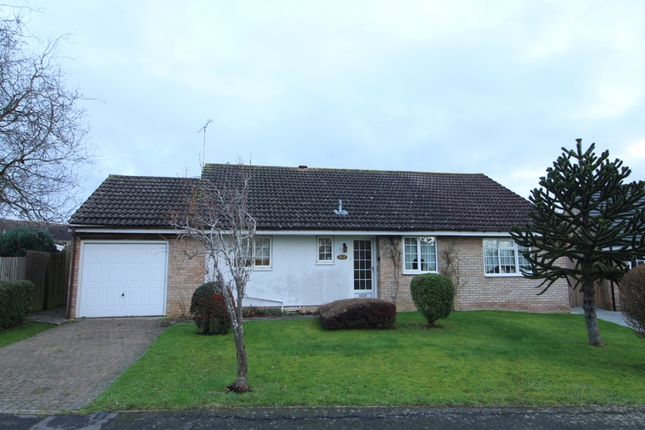 Thumbnail Bungalow for sale in Sitwell Close, Newport Pagnell, Buckinghamshire