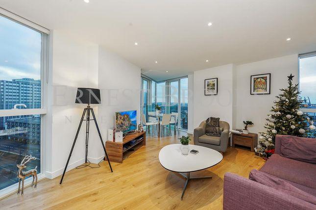 Thumbnail Flat for sale in Pinnacle Apartments, 6 Saffron Central Squa, Croydon