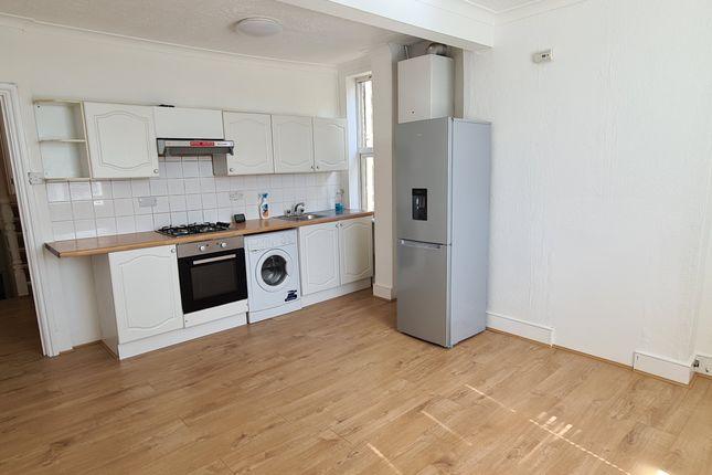 Thumbnail Flat to rent in Tottenham Lane, Hornsey, London