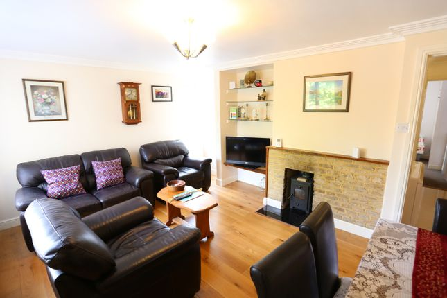 Thumbnail Flat to rent in Brookside Court, Woodstock