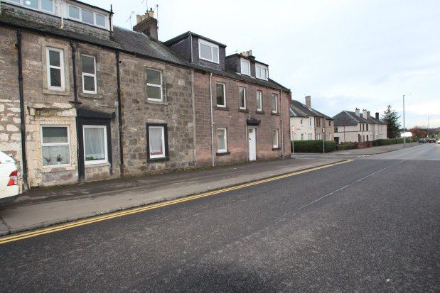 Maisonette to rent in West Stirling Street, Alva