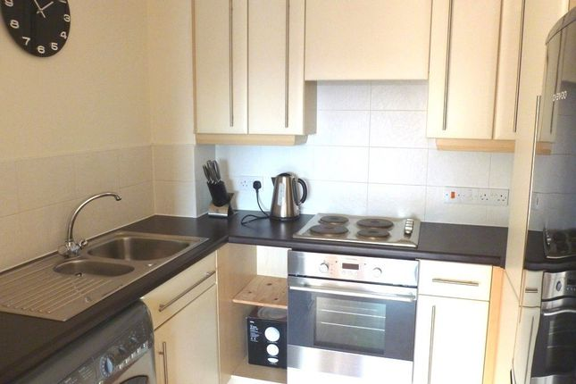 1 bed flat to rent in Canal Road, Timperley, Altrincham