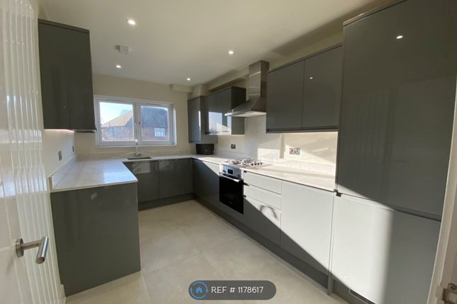 Thumbnail Flat to rent in Hounslow Road, Feltham