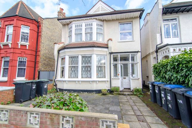 Thumbnail Flat for sale in Grovelands Road, Palmers Green