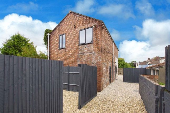 Thumbnail Flat for sale in Whitehall Road, Bristol