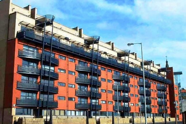 Thumbnail Flat for sale in Clyde Street, Glasgow
