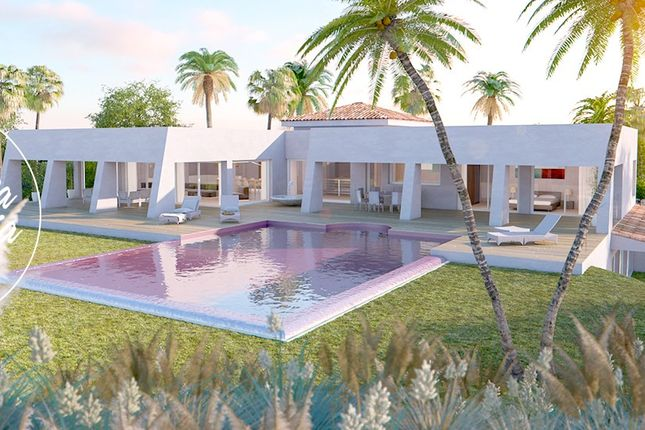 Thumbnail Detached house for sale in Benalmadena Costa, Costa Del Sol, Spain