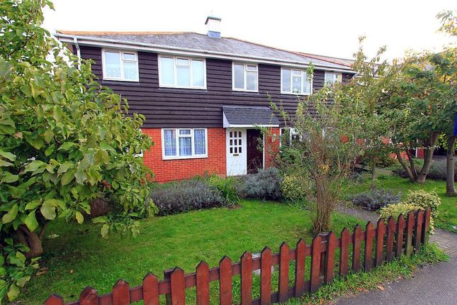 Thumbnail Flat for sale in 318 Hart Road, Thundersley, Essex SS7 3Up