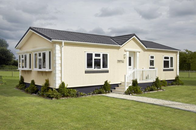 Thumbnail Mobile/park home for sale in Wisbech Bypass, Elm, Wisbech