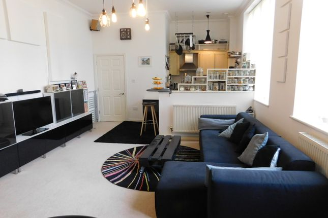 Thumbnail Flat for sale in East Wing, Kingsley Avenue, Fairfield, Hitchin