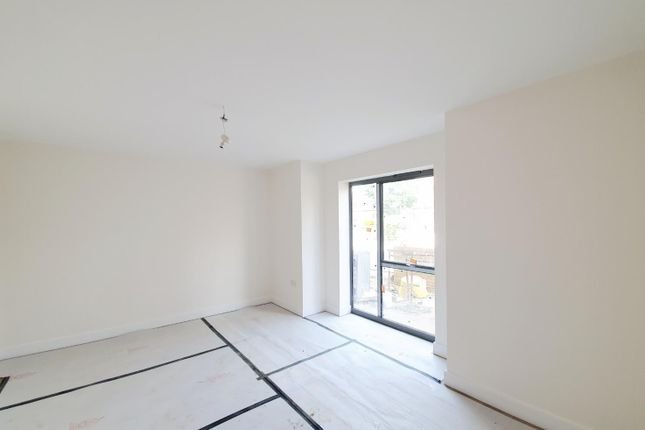 Thumbnail Terraced house to rent in Ingersoll Road, Enfield