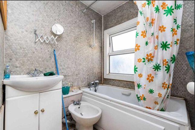 Bathroom of Griffin Road, London SE18