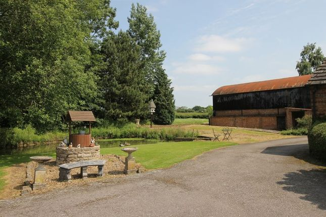 Thumbnail Country house for sale in Brafield Road, Horton, Northampton