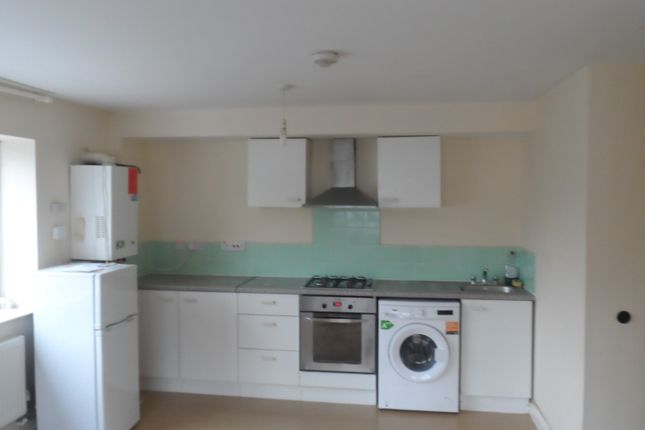 Thumbnail Flat to rent in Miles Road, Mitcham