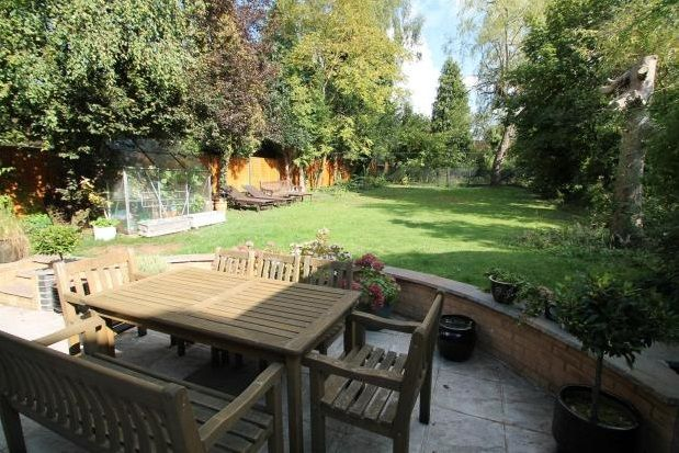 Thumbnail Property to rent in Woodside Road, Purley