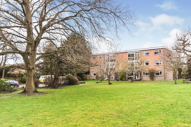 Thumbnail Flat for sale in Field Close, Bromley, Kent