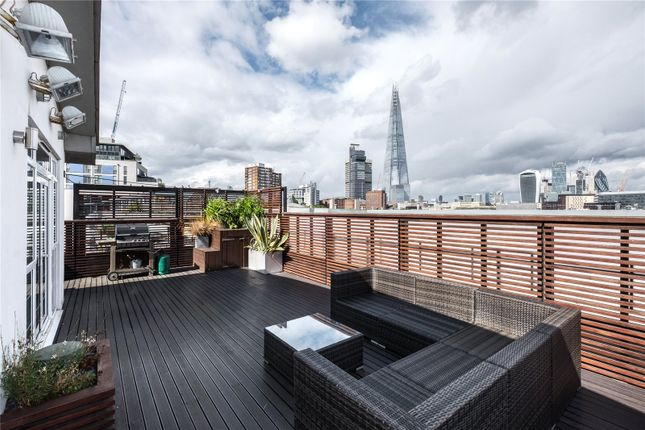 Thumbnail Flat for sale in Blue Lion Place, London