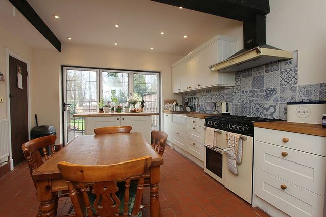 Thumbnail Detached house to rent in Yew Tree Cottage, 7, Topcliffe Drive, Farnborough, Kent